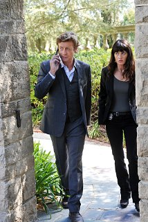 """The Mentalist"" Pink Chanel Suit Technical Specifications"