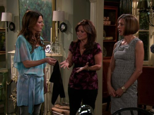 """Hot in Cleveland"" Sisterhood of the Travelling SPANX 