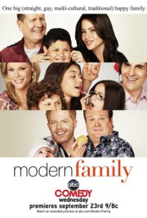 """Modern Family"" Aunt Mommy 