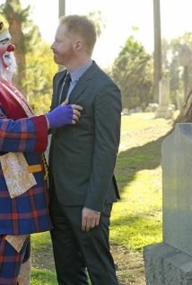 """Modern Family"" Send Out the Clowns Technical Specifications"