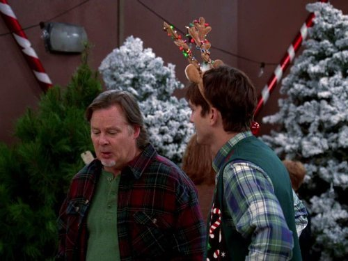 """Two and a Half Men"" Give Santa a Tail-Hole Technical Specifications"