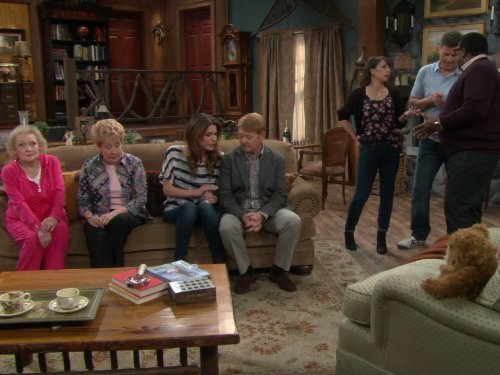 """Hot in Cleveland"" Stayin' Alive 