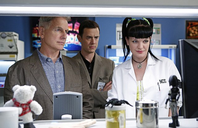 """NCIS"" Whiskey Tango Foxtrot Technical Specifications"
