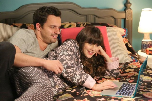 """New Girl"" Clavado En Un Bar 