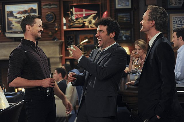 """How I Met Your Mother"" Bass Player Wanted Technical Specifications"