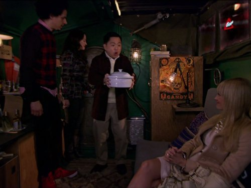 """2 Broke Girls"" And the Icing on the Cake Technical Specifications"