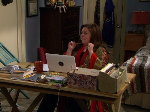 """Mike & Molly"" Eight Is Enough Technical Specifications"