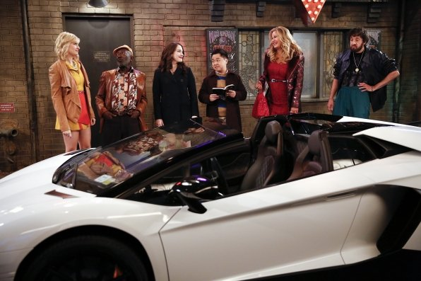 """2 Broke Girls"" And the Past and the Furious 