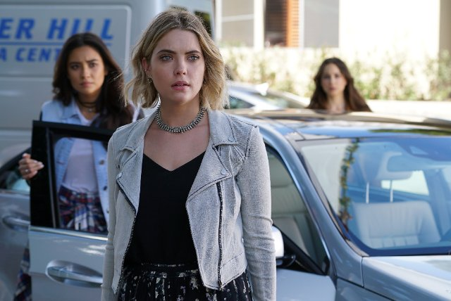 """Pretty Little Liars"" Don't Look Now Technical Specifications"