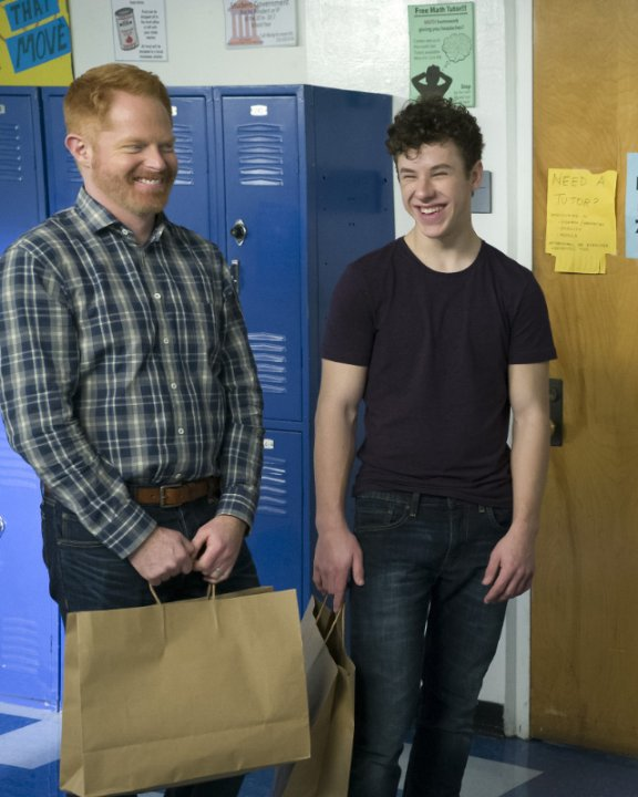 """Modern Family"" Promposal Technical Specifications"
